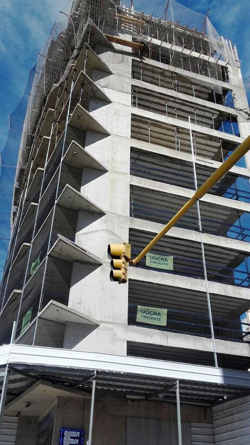 Foto Edificio en Centro Buenos Aires 2000 número 3