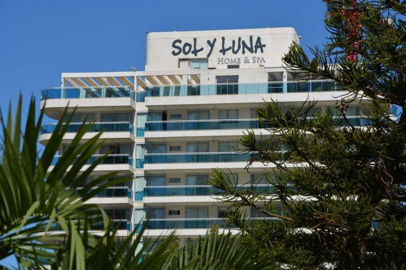 Foto Edificio en Playa Mansa Avda Chiverta número 2