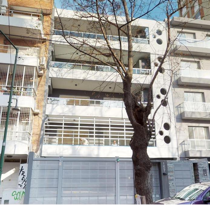 Foto Edificio en Mart.-Vias/Santa Fe Sarmiento 157, Martínez número 1