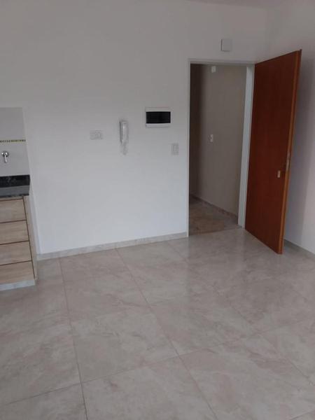 Foto Edificio en Moron Sur Vicente Lopez 900 número 5
