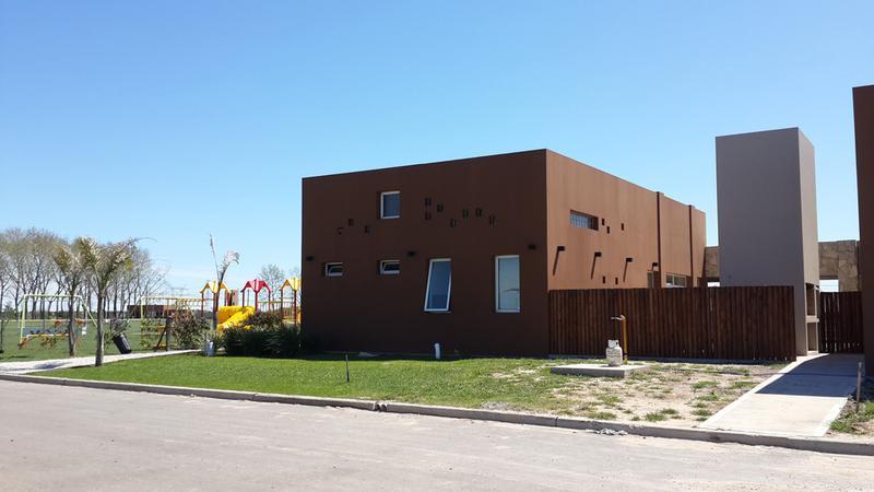 Foto Barrio Privado en La Alameda             F. Cáceres y Ruta 58           número 5