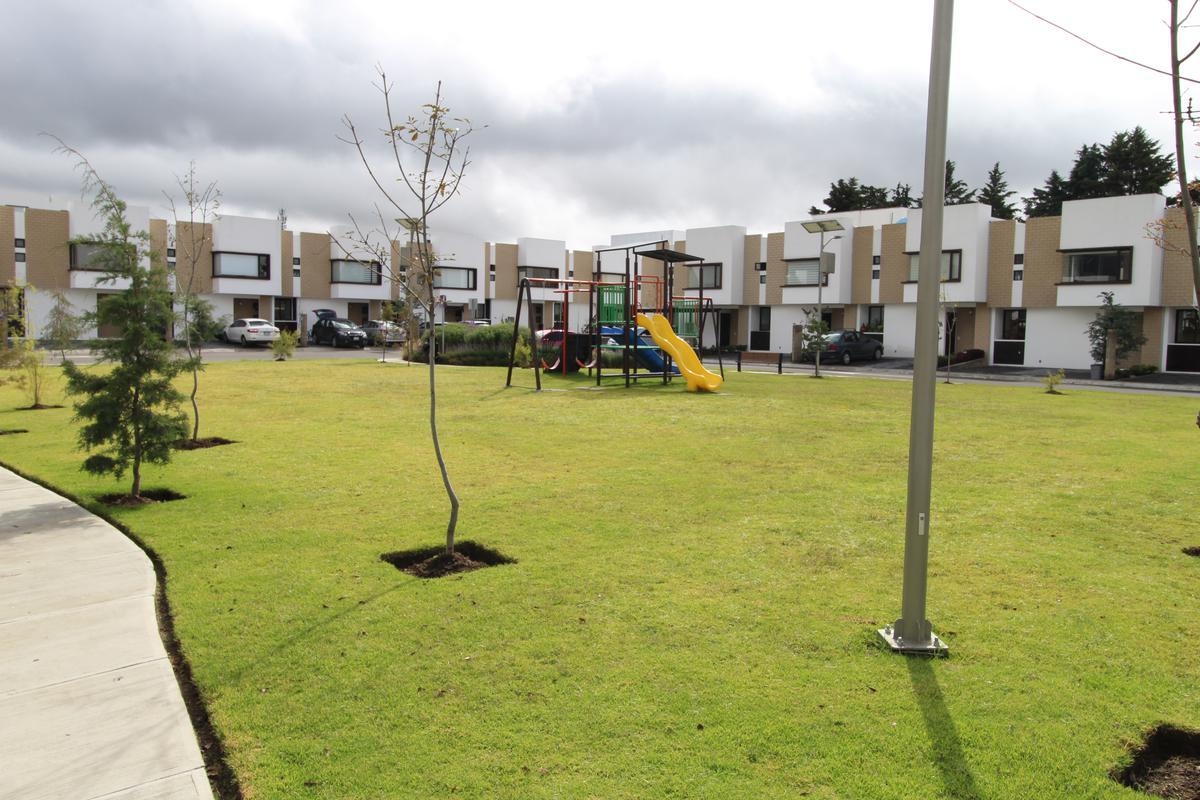 Foto Condominio en Ocoyoacac Fraccionamiento Vista Bosques número 1