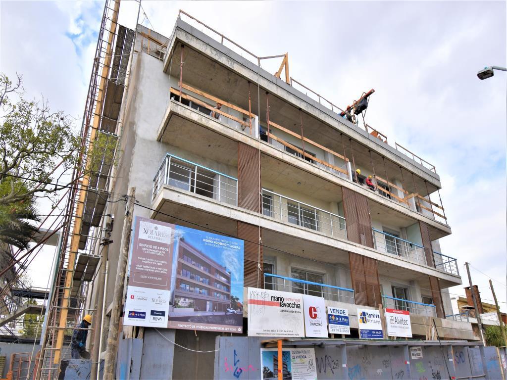 Foto Edificio en Maldonado             Arturo Santana 882 y Zelmar Michelini           número 6