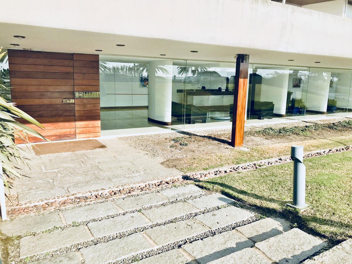 Foto Edificio en Península Península número 2