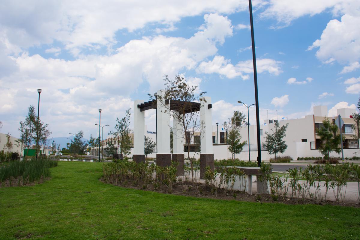 Foto Condominio en San Nicolás Tolentino Casas Nuevas con Rapida Salida a CDMX número 2