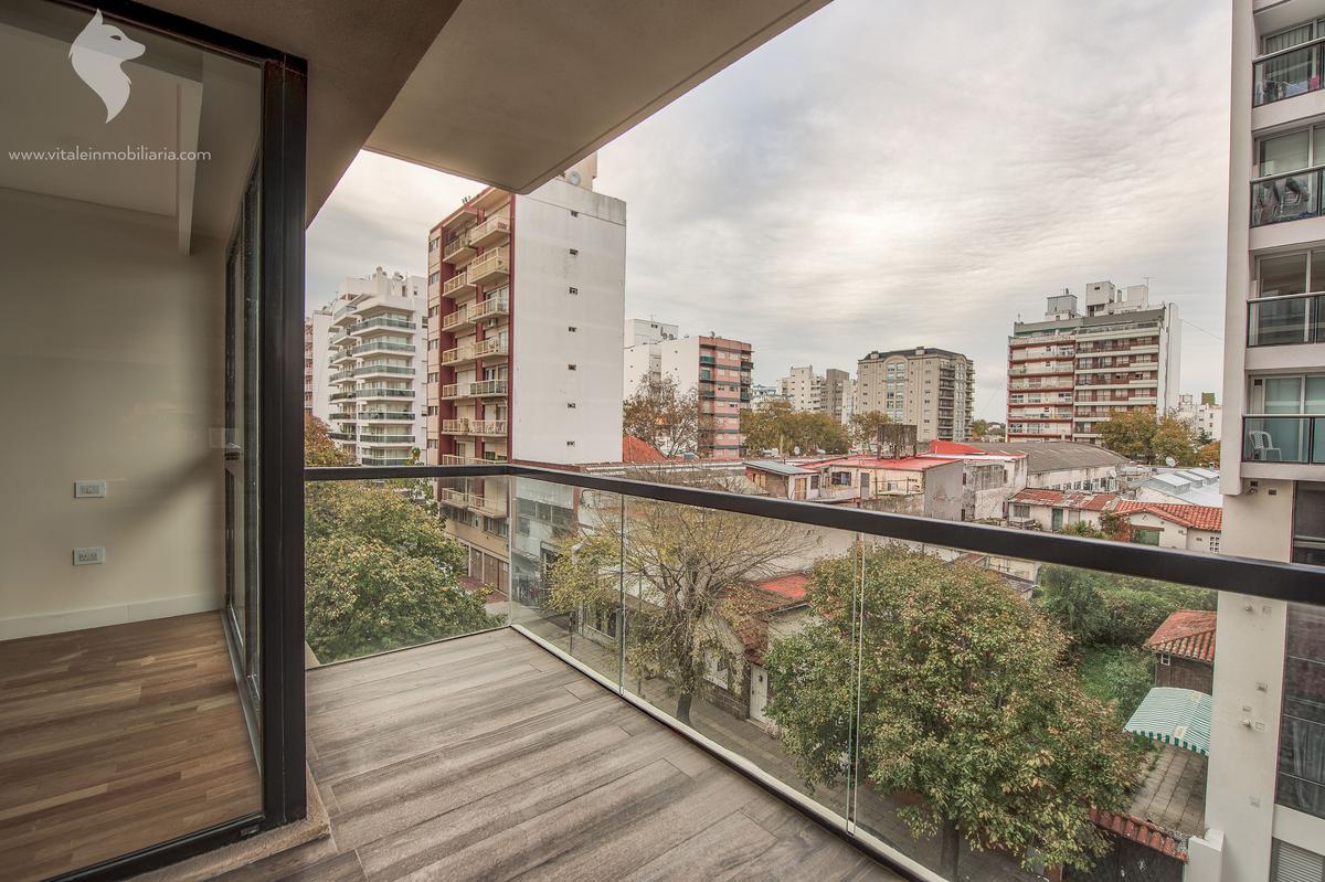 Foto Edificio en Plaza Mitre Gascon 2500 número 3
