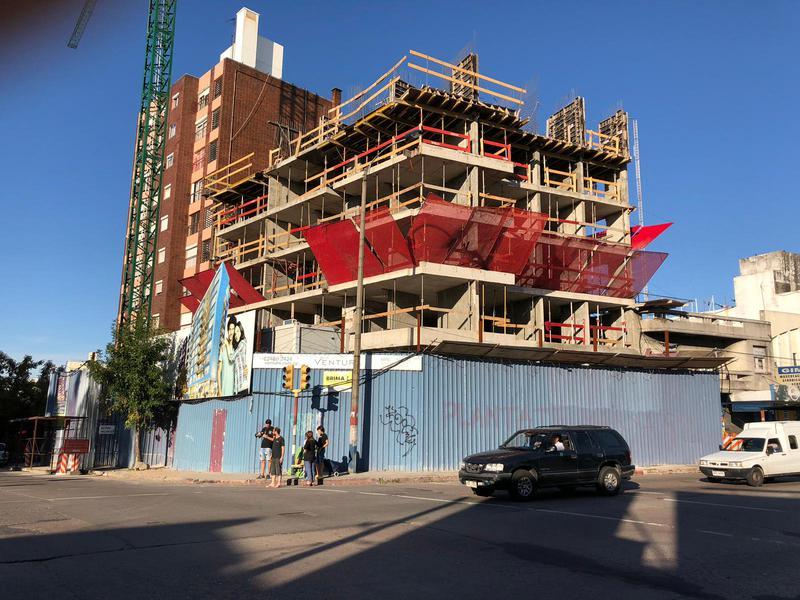 Foto Edificio en Tres Cruces Garibaldi 2551 esquina Monte caseros número 4