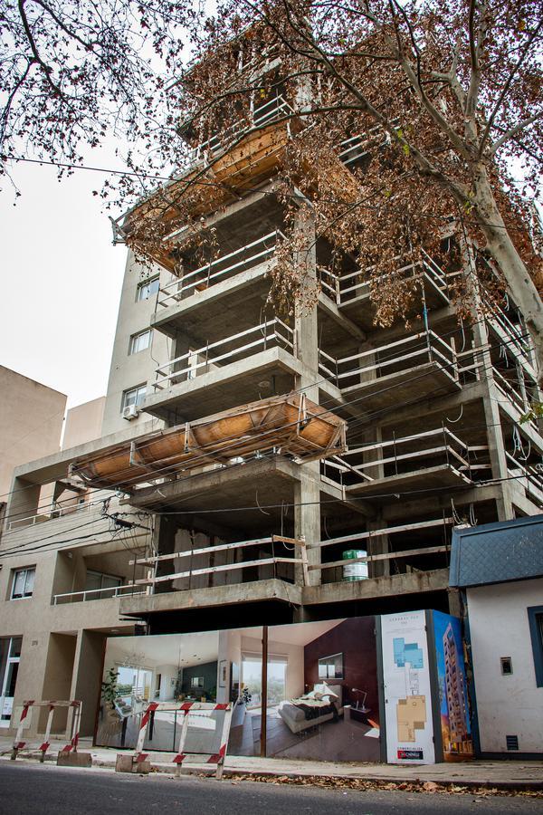 Foto Edificio en Junin Gral. Paz N° 380 número 1
