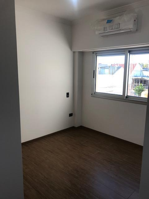 Foto Edificio en Liniers Patron 7300 número 9