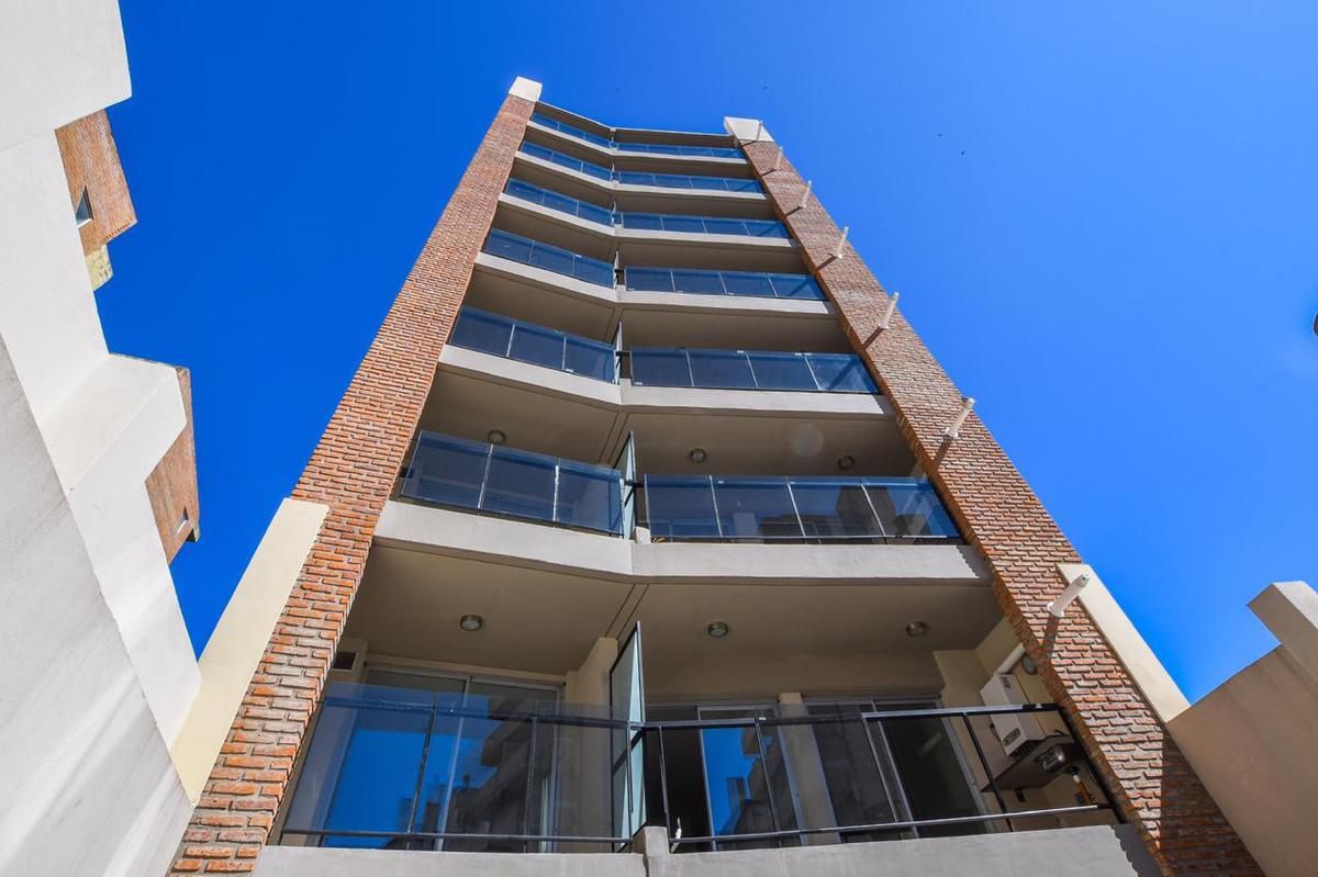 Foto Edificio en Centro PARAGUAY 1639 número 1