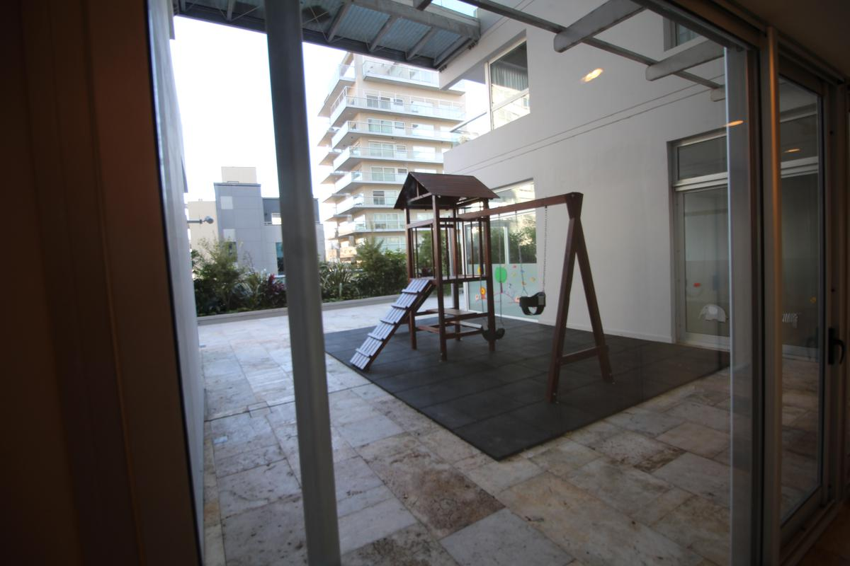 Foto Edificio en Olivos Av.Libertador esq Corrientes número 10