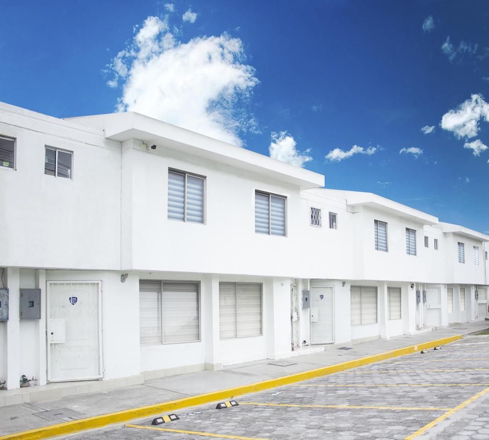 Foto Condominio en Mitad del Mundo SAN ANTONIO DE PICHINCHA número 1