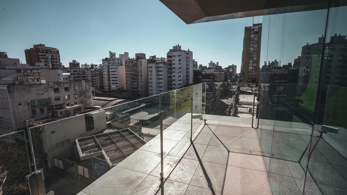 Foto Edificio de oficinas en Microcentro             Corrientes  y San Lorenzo            número 16