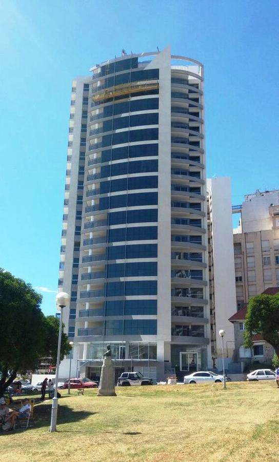 Foto Edificio en Torreon Boulevard Marítimo y Güemes número 1