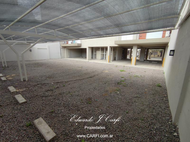 Foto Edificio en Moron Sur 25 de Mayo 755, entre Santa Fe y Entre Ríos. número 13