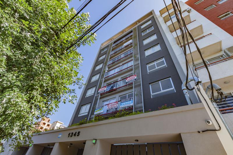 Foto Edificio en Moron Pellegrini 1300 número 33