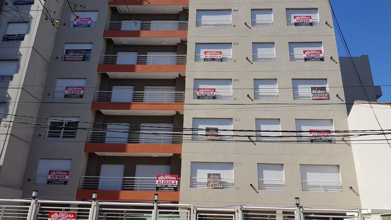 Foto Edificio en Moron 9 de Julio 400 número 1