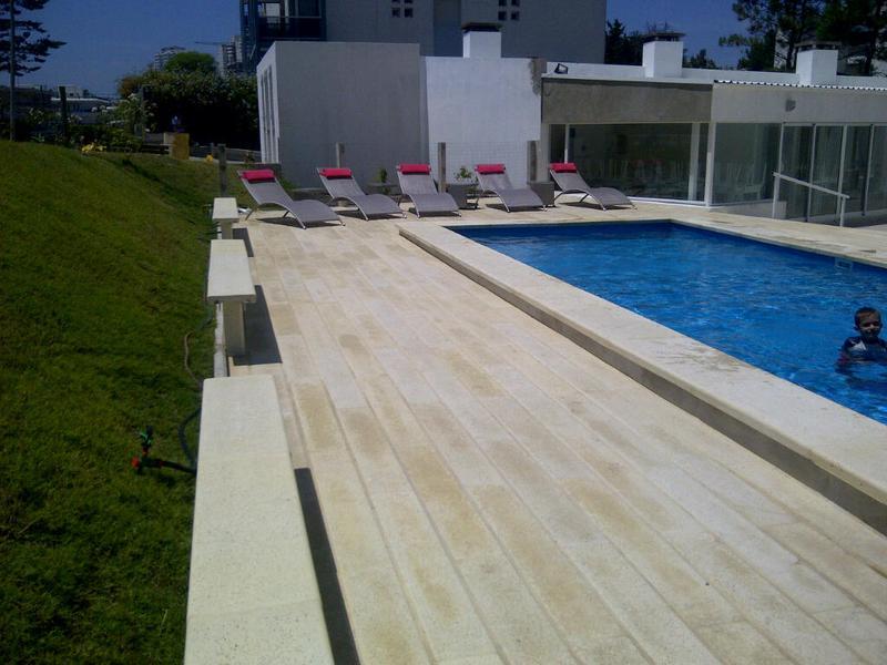 Foto Edificio en Aidy Grill Pampa entre Av. Biarritz y calle San Martin número 7