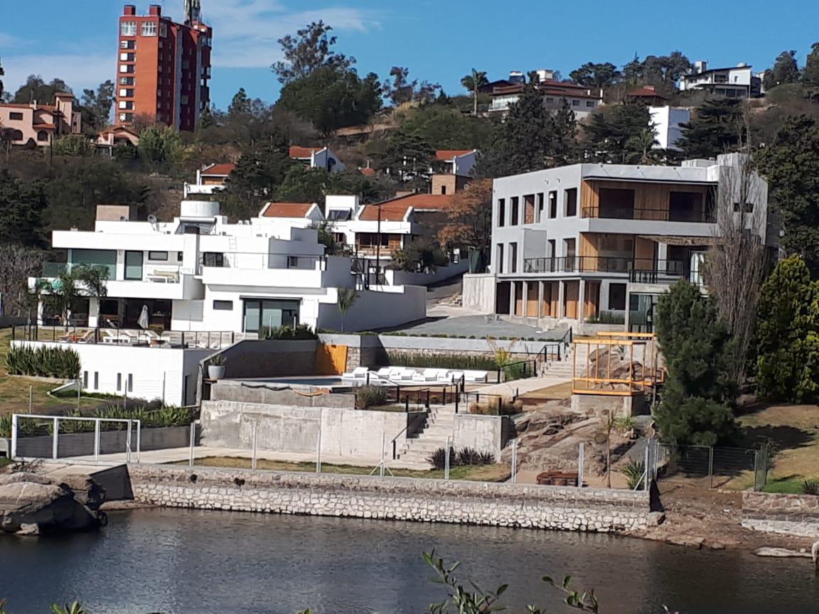 Foto Barrio Privado en Villa Carlos Paz Complejo Carlos Paz Emilio Zola y Chiclana número 2
