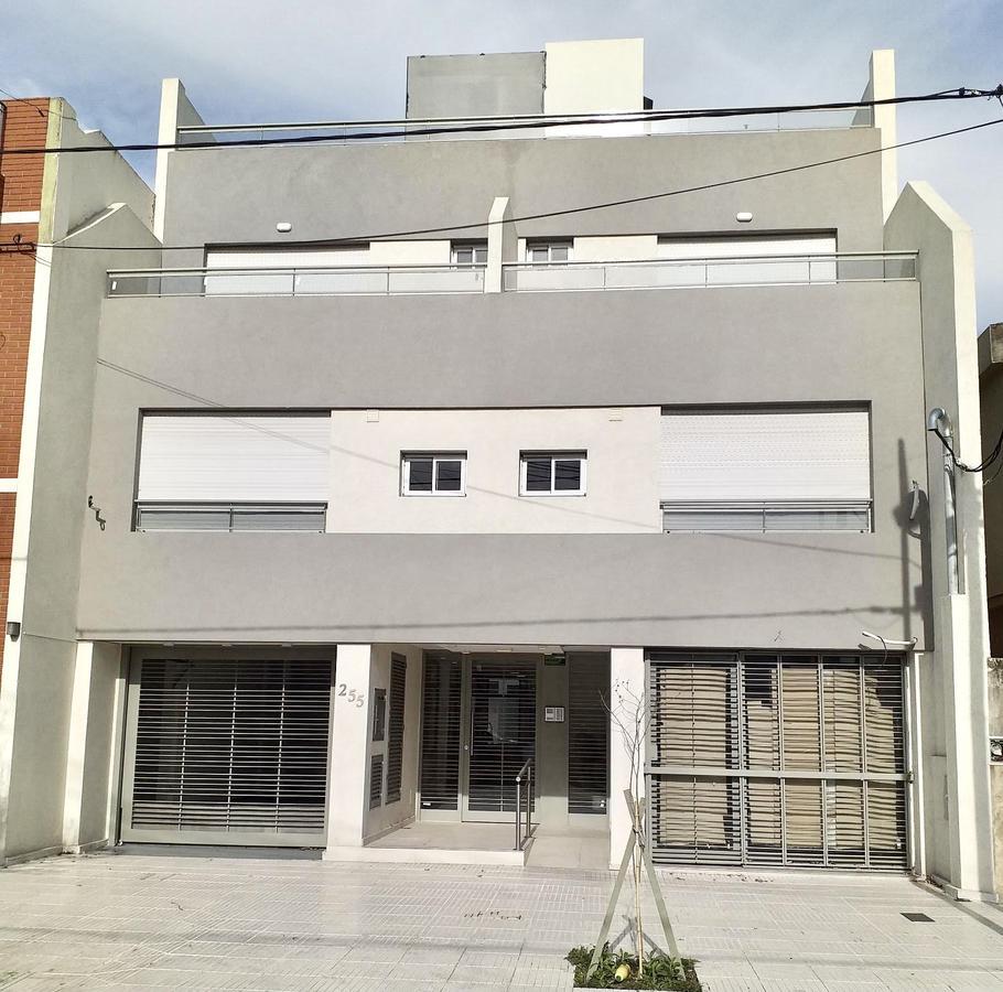 Foto Edificio en Ramos Mejia Sur             Vacca 255 Ramos Mejía           número 1
