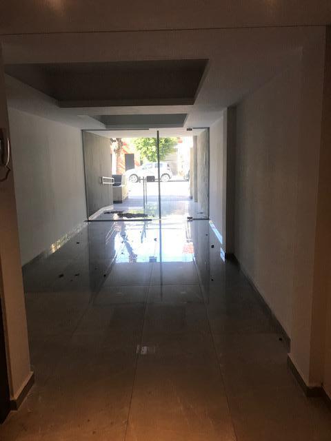 Foto Edificio en Liniers Patron 7300 número 2