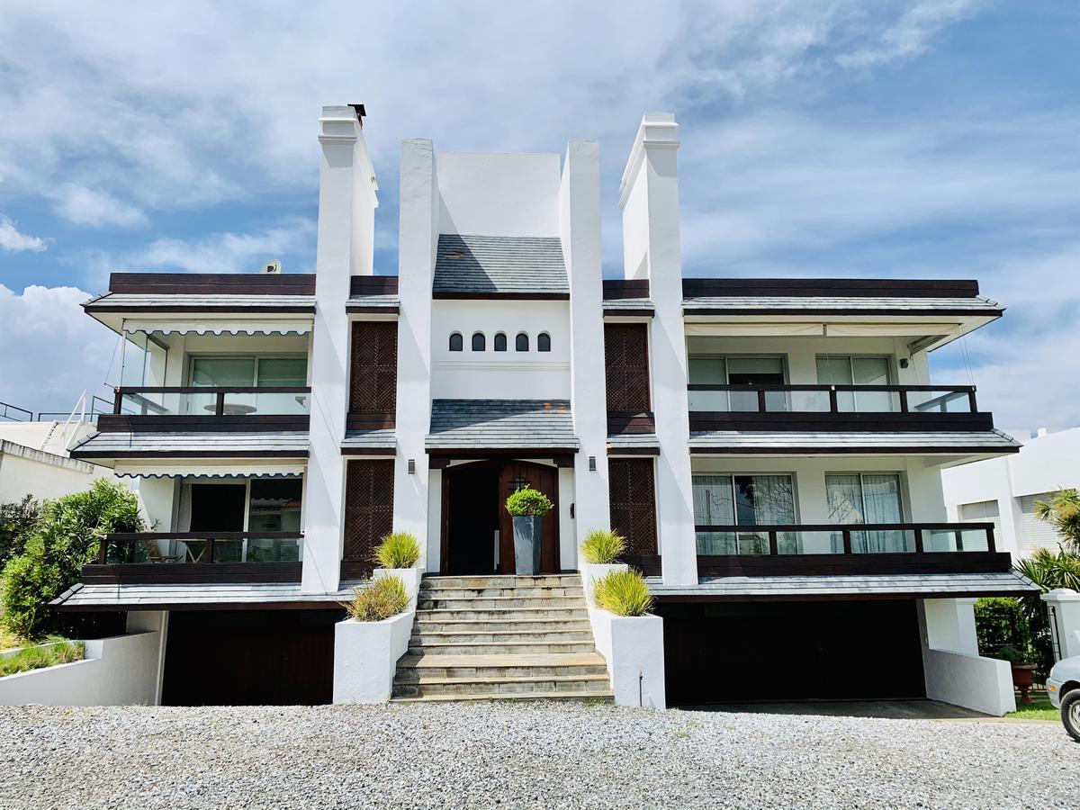 Foto Edificio en La Barra La Barra número 4