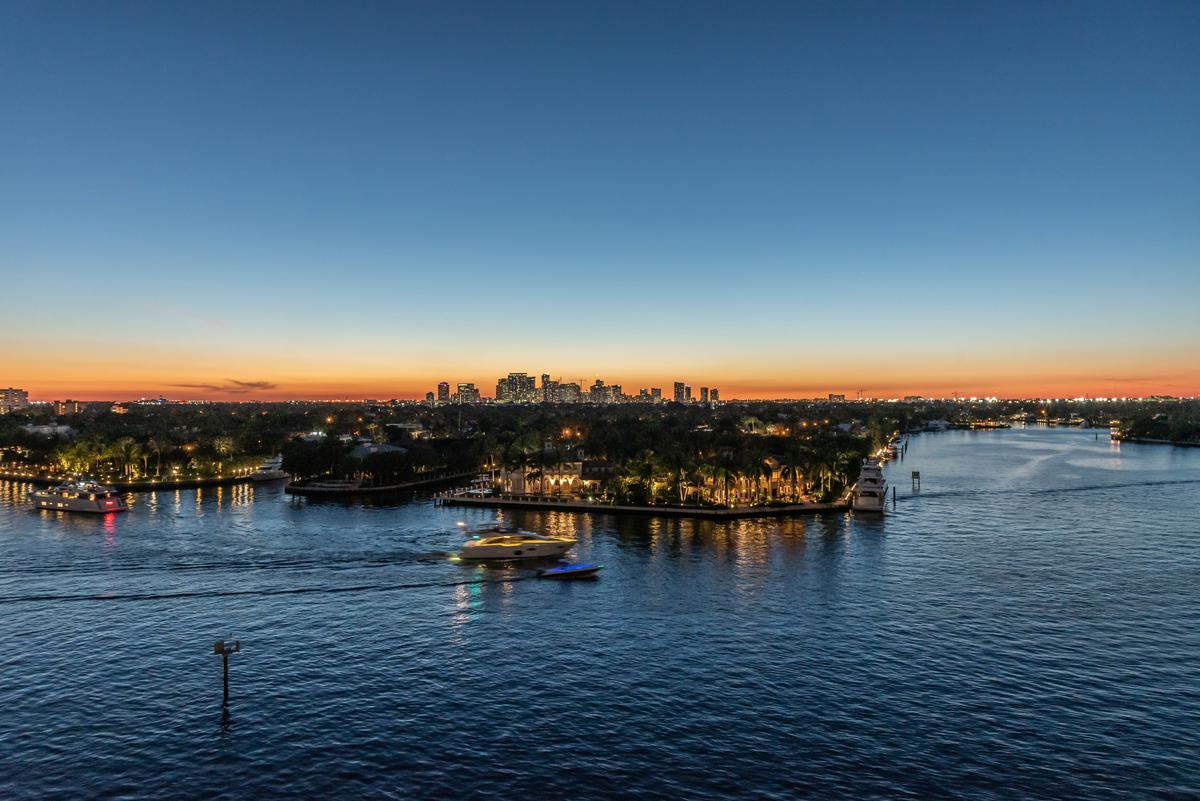 Foto Condominio en Broward 321 At Water's Edge Fort Lauderdale, Florida, USA  número 32
