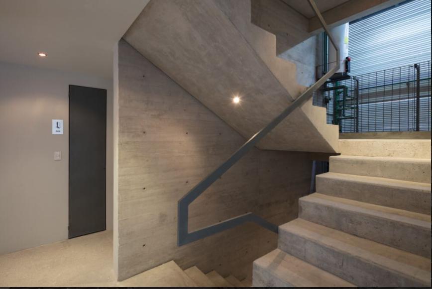 Foto Edificio en Asturias             Calz. de la Viga 369 número 11