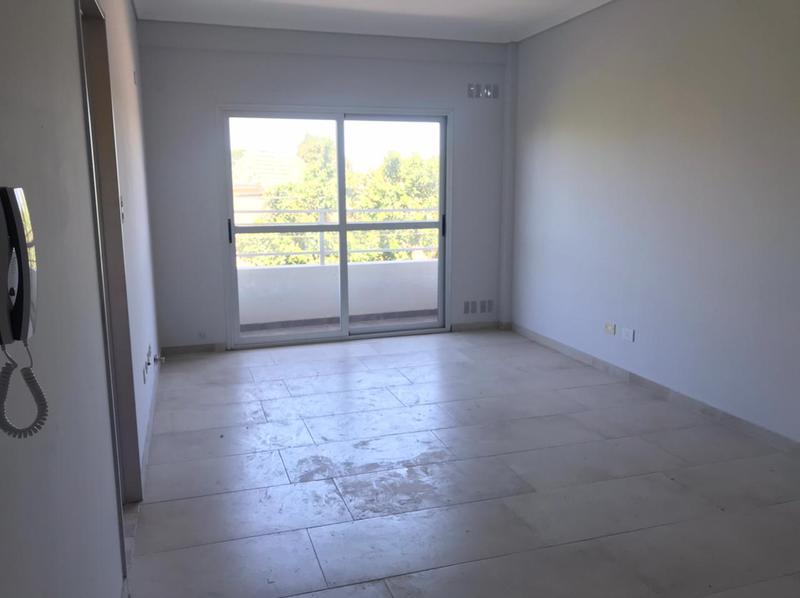 Foto Edificio en Moron Sur Mariano Moreno 900 número 9