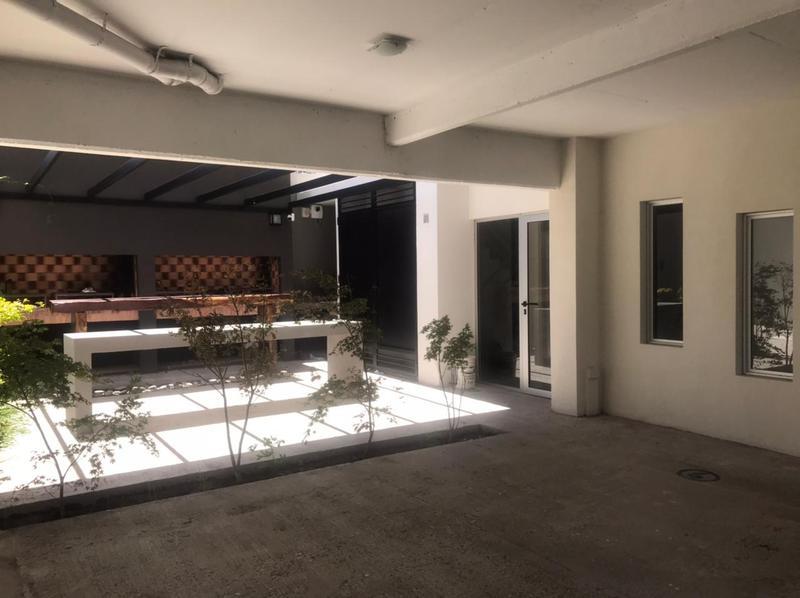 Foto Edificio en Moron Sur Mariano Moreno 900 número 6