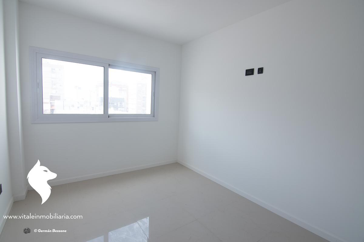 Foto Edificio en La Perla Sur Independencia 1000 número 8