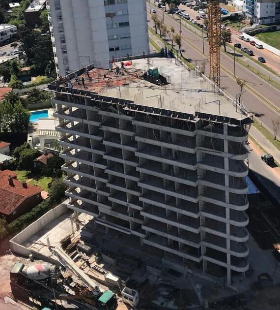 Foto Edificio en Punta del Este Avenida Roosevelt y Antonio Méndez - Punta del Este número 13