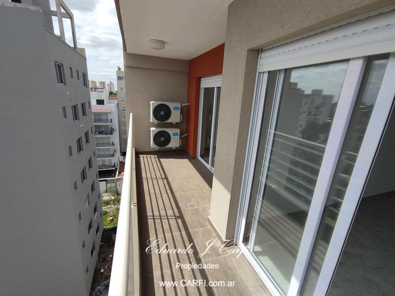 Foto Edificio en Moron Sur 25 de Mayo 755, entre Santa Fe y Entre Ríos. número 12