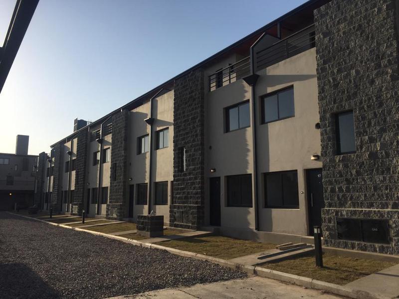 Foto Condominio en San Fernando Haus701 (Housing Zona Sur)- Dúplex dos y tres Dormitorios- Locales Comerciales | con Cochera. POSESIÓN INMEDIATA número 2