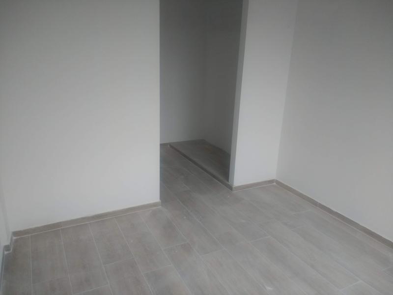 Foto Edificio en Liniers Lisandro de la Torre 104 número 3