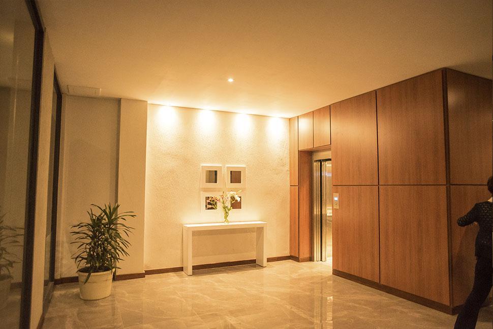 Foto Edificio en La Perla Norte FRENCH 3800 número 1