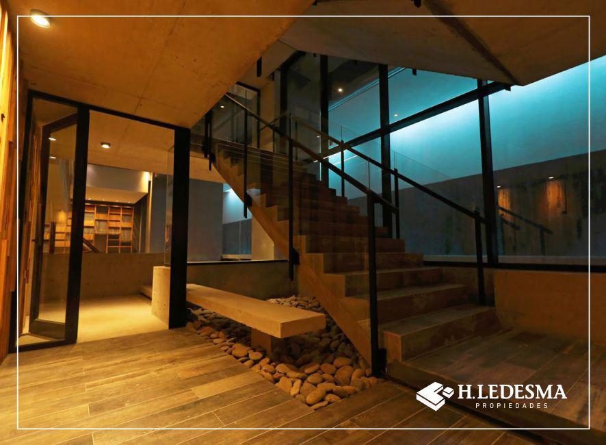 Foto Edificio en Centro Diagonal Alberdi y Santa Fe número 10