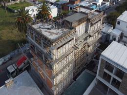 Foto Edificio en Maldonado             Arturo Santana 882 y Zelmar Michelini           número 2