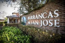 Foto Barrio Privado en Barrancas De San Jose ECHEVERRIA 850 número 1