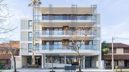 Foto Edificio en La Perla Norte FRENCH 3800 número 13