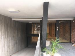 Foto Edificio en Punta Carretas             Francisco Ross y Williman           número 9