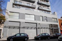 Foto Edificio en Quilmes Brown 667 número 2