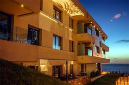 Foto Edificio en Punta Gorda Motivos de Proteo y Brenda número 1
