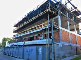Foto Edificio en Maldonado             Arturo Santana 882 y Zelmar Michelini           número 1