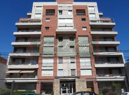 Foto Edificio en Castelar Norte Avellaneda 953 número 2