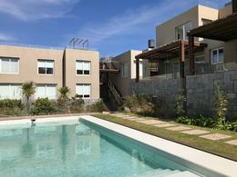 Foto Departamento en Alquiler temporario en  Montoya,  La Barra  A metros de la playa