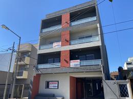 Foto Edificio en Chilavert Mármol 3026 e/Artigas y Diag. Chilavert número 19