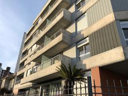 Foto Edificio en Parque Batlle Ramón Ortiz 2903 y Dr. José Brito Foresti número 11