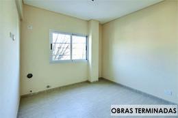 Foto Edificio en Moron Sur Pasaje Pisano 400 número 3