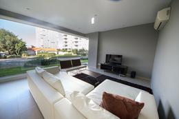 Foto Edificio en Playa Brava Biarritz y leyenda Patria, parada 6 Brava número 2